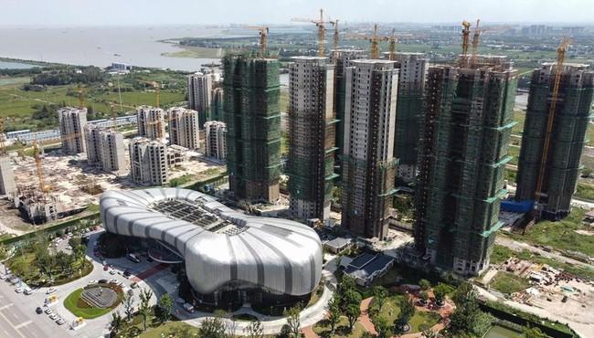 'Bom nợ' Evergrande bất ngờ tái khởi động 10 dự án bất động sản