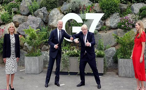 Tổng thống Mỹ Joe Biden tặng món quà bất ngờ cho Thủ tướng Anh