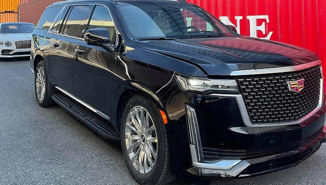 Siêu xe Cadillac Escalade 2021 hơn 8 tỷ về Việt Nam