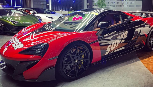 Khoác áo mới cho McLaren 570S hơn 12 tỷ ở Sài Gòn