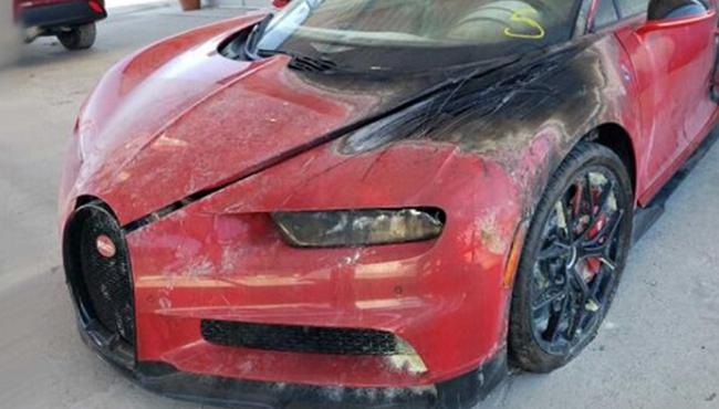 Bugatti Chiron hư hỏng nặng vẫn rao bán hơn 9 tỷ đồng