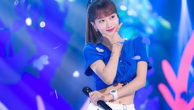 Nữ thần tượng xinh đẹp nhất Hàn Quốc ăn mặc gợi cảm