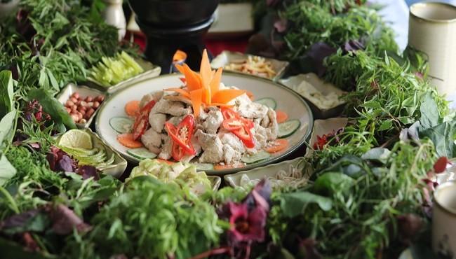 Đến Bắc Giang thưởng thức món gỏi cá mè dân dã, ngon mà lạ