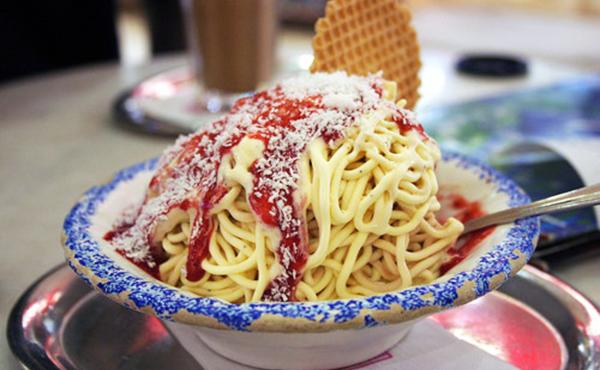 Món kem nổi tiếng của Đức nhìn tưởng mỳ Spaghettieis