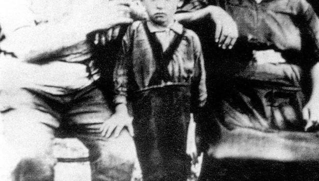 Ảnh về cuộc đời và sự nghiệp của Tổng thống Liên Xô đầu tiên