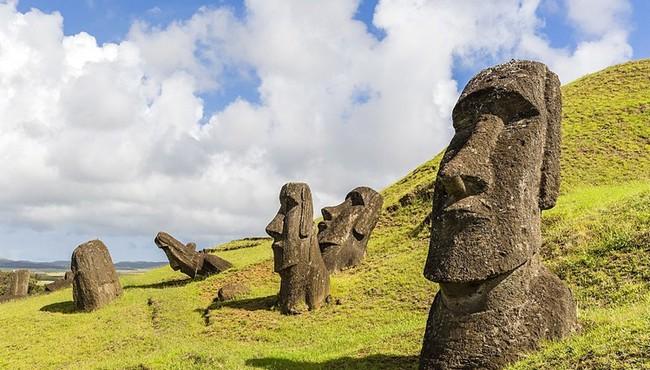 Bí ẩn Đảo Phục Sinh trụi bóng cây nhưng có hàng trăm tượng khủng