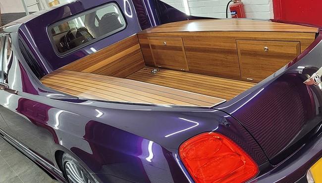 Dân chơi 'cắt đuôi' Bentley Flying Spur thành bán tải