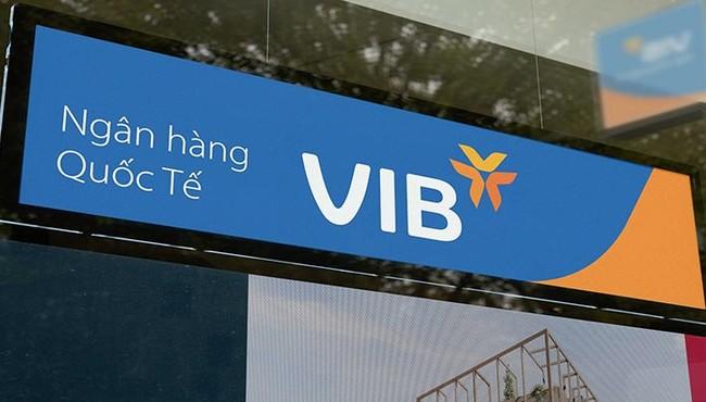 Cổ phiếu VIB đi xuống, người thân lãnh đạo liên tục 'xả hàng'