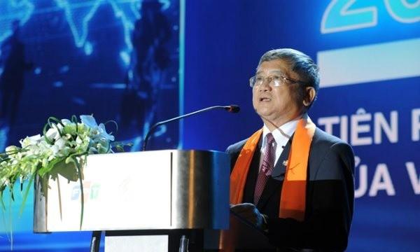 Phó Chủ tịch FPT dự thu khoảng 400 tỷ khi bán 4,5 triệu cổ phiếu