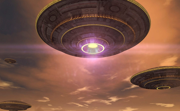 Nhà khoa học tiết lộ vận tốc kinh hoàng của UFO