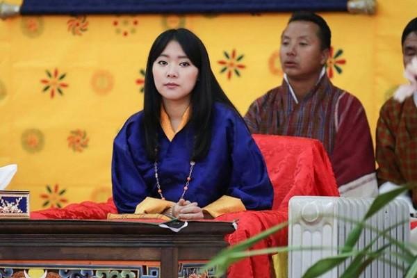 Ngam ve dep cua cong chua Ashi Quoc vuong Bhutan