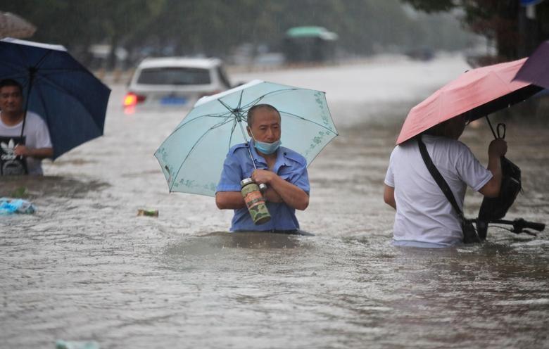 Can canh mua lu kinh hoang o Trung Quoc, hang chuc nguoi chet-Hinh-6