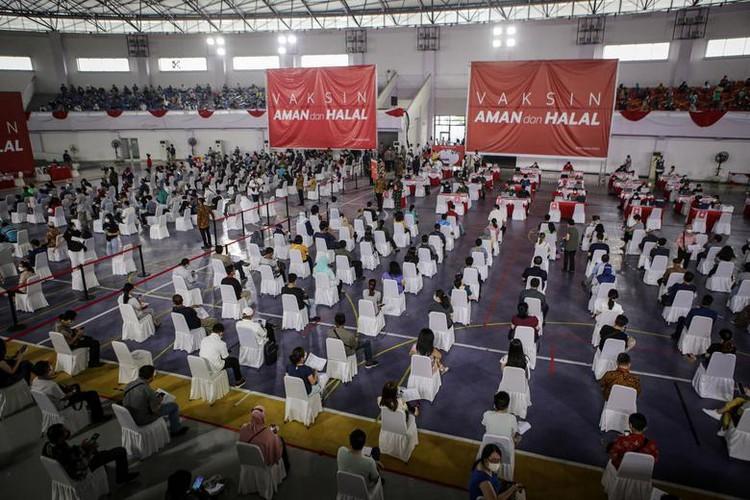 Indonesia vuot moc hon 100.000 nguoi tu vong vi COVID-19-Hinh-6