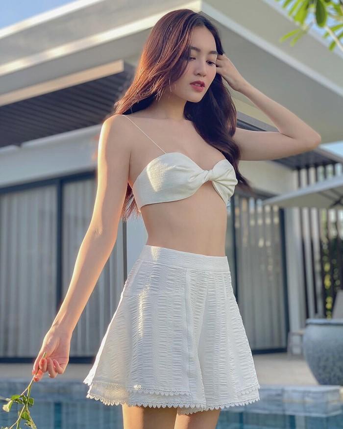 Thoi trang sexy bong mat cua Ninh Duong Lan Ngoc