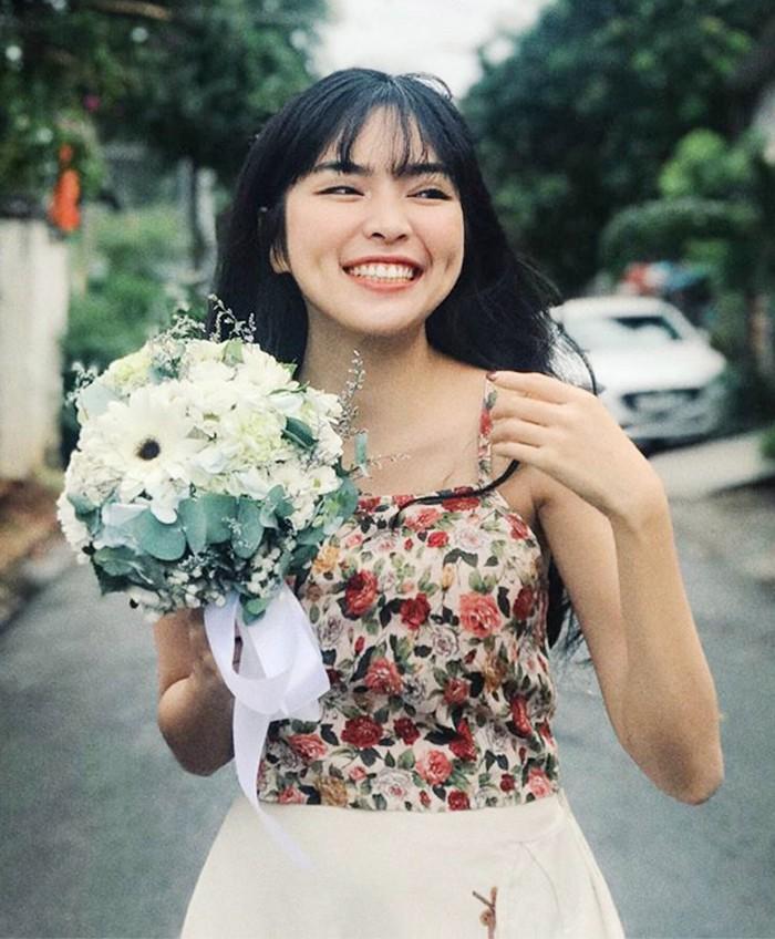 Gu thời trang gợi cảm ở tuổi 16 của con gái út NSƯT Chiều Xuân