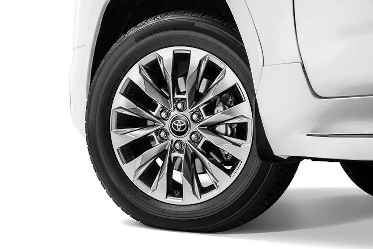 Chi tiet Toyota Land Cruiser 2022 sap ve Viet Nam-Hinh-7