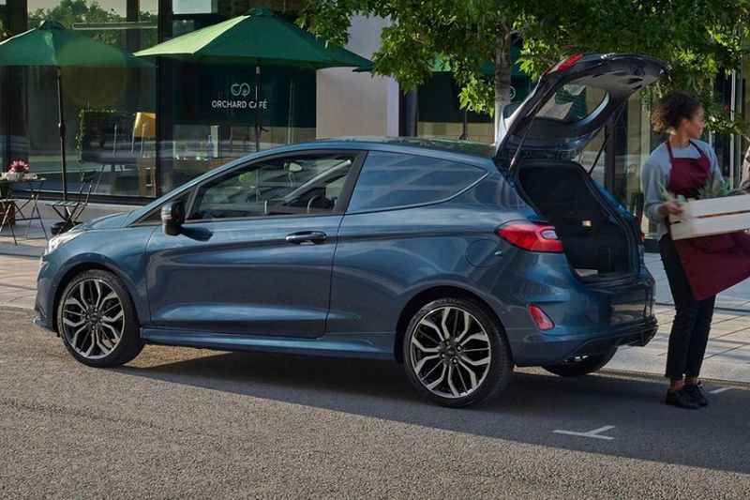 Chi tiet xe cho hang gia re Ford Fiesta Van 2022-Hinh-4
