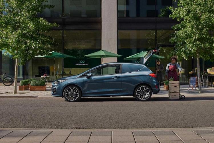 Chi tiet xe cho hang gia re Ford Fiesta Van 2022-Hinh-5