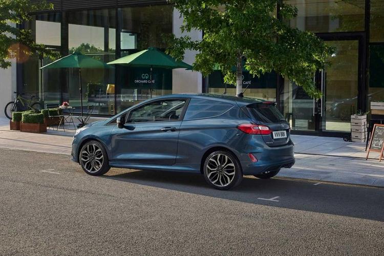 Chi tiet xe cho hang gia re Ford Fiesta Van 2022-Hinh-7