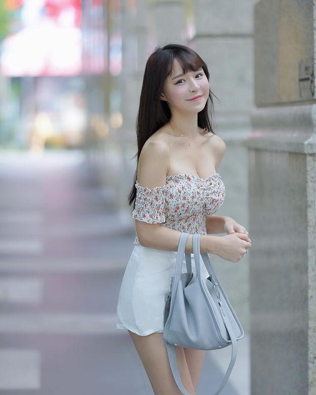 Hot girl Nguyen Nguyen dien do ngu nong bong-Hinh-15
