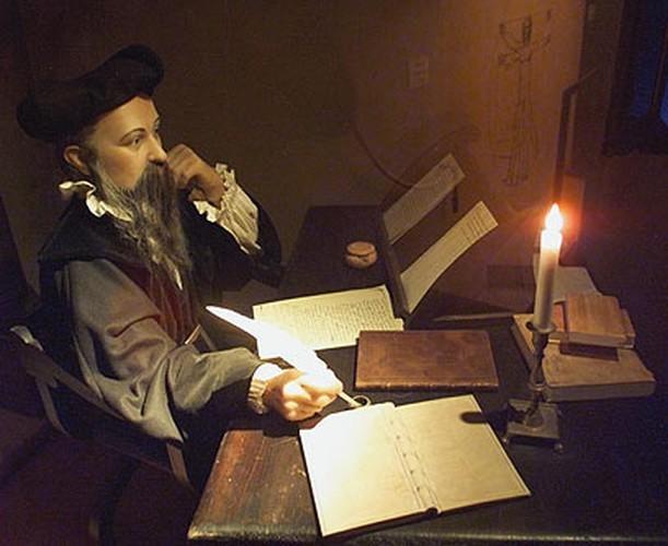 Vi sao nha tien tri Nostradamus nhin thay truoc cai chet cua ban than?-Hinh-4