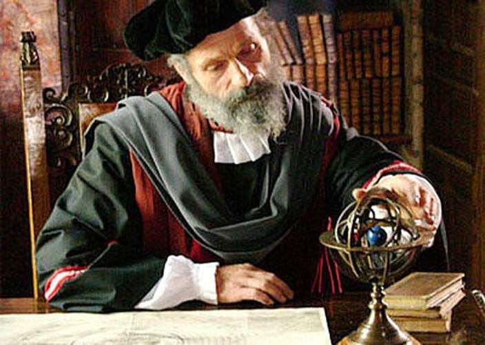 Vi sao nha tien tri Nostradamus nhin thay truoc cai chet cua ban than?-Hinh-9
