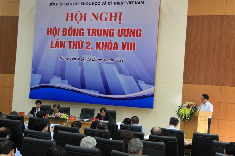 Bau bo sung 4 nhan su vao Hoi dong Trung uong VUSTA khoa VIII-Hinh-4