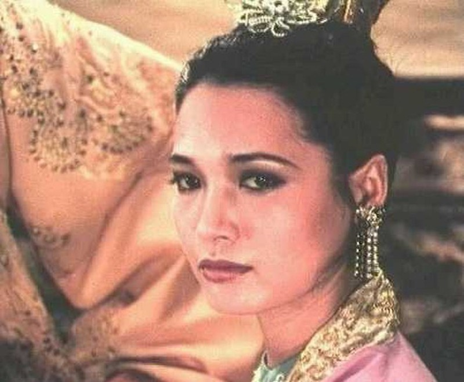 Vi sao chua Trinh me dam tuyen phi Dang Thi Hue?-Hinh-9