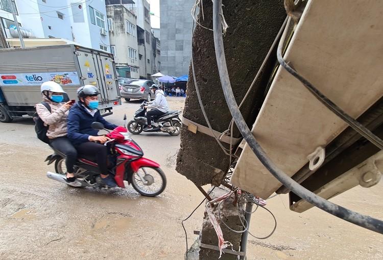 Dan kho so khi du an mo rong pho Vu Trong Phung qua cham tien do-Hinh-12
