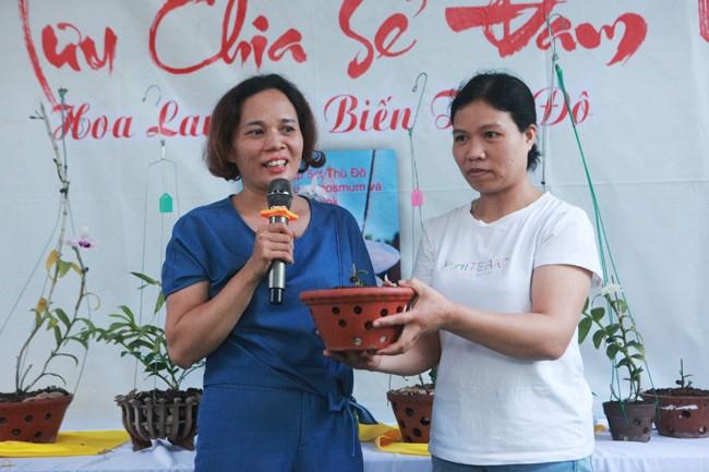 Dai gia Ha Noi chi 5 ty mua gio lan nhin nhu ngon rau muong-Hinh-10