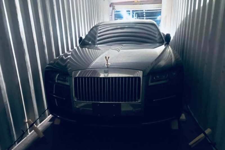 Can canh Rolls-Royce Ghost the he moi vua co mat o Viet Nam