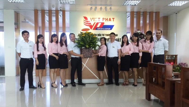 Viet Phat nhan sang tay 15% von cua Dau tu Sai Gon MIA