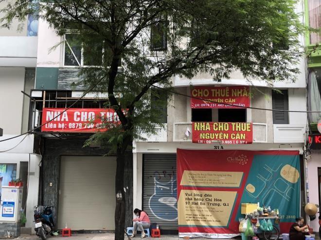 Mat bang ban le hau COVID-19: Nha pho that the, trung tam thuong mai len ngoi