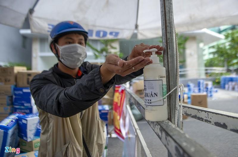 Khi nao TP HCM kiem soat duoc dich Covid-19?: Tinh hinh khong nghiem trong nhu Da Nang-Hinh-2