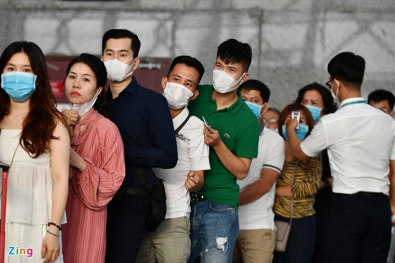Khi nao TP HCM kiem soat duoc dich Covid-19?: Tinh hinh khong nghiem trong nhu Da Nang