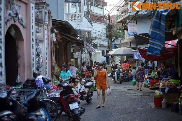 Ky la noi 4 khu cho nam canh nhau doc nhat Ha Noi-Hinh-16