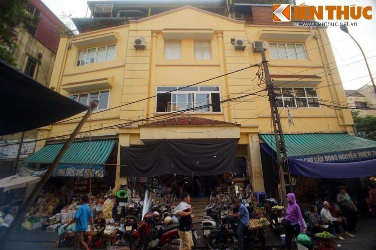 Ky la noi 4 khu cho nam canh nhau doc nhat Ha Noi-Hinh-9