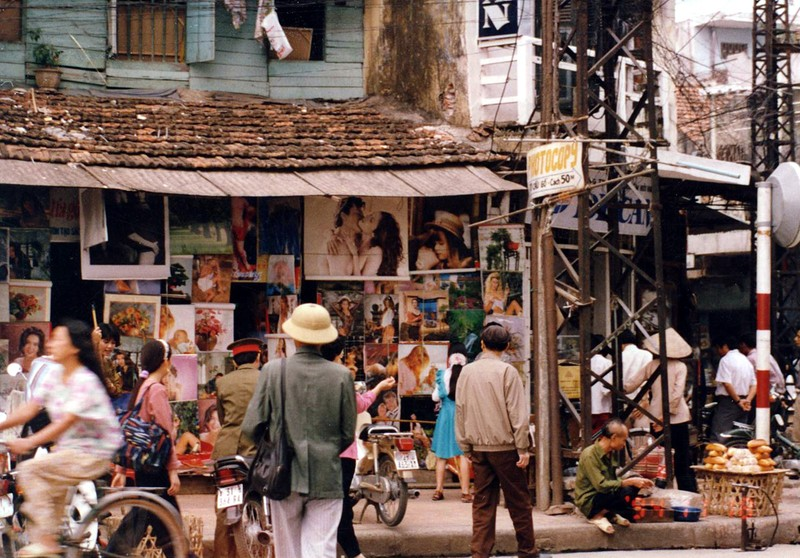 Ha Noi nam 1994 cuc chat qua ong kinh nguoi Nhat-Hinh-3