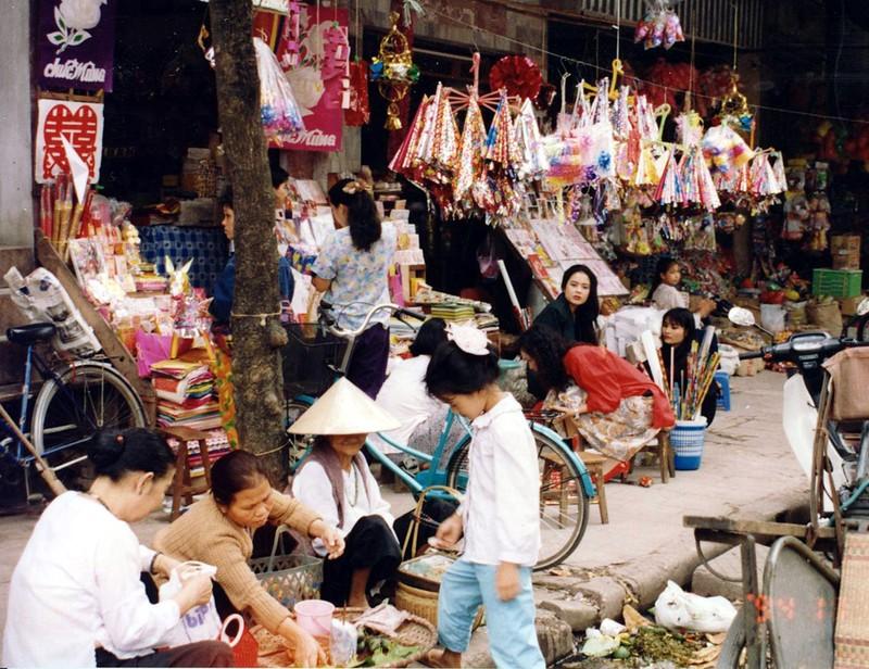 Ha Noi nam 1994 cuc chat qua ong kinh nguoi Nhat-Hinh-6
