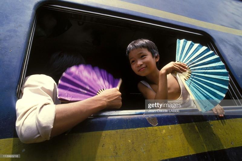 Ha Noi nam 1994 sinh dong qua ong kinh nhiep anh gia Phap (2)-Hinh-9