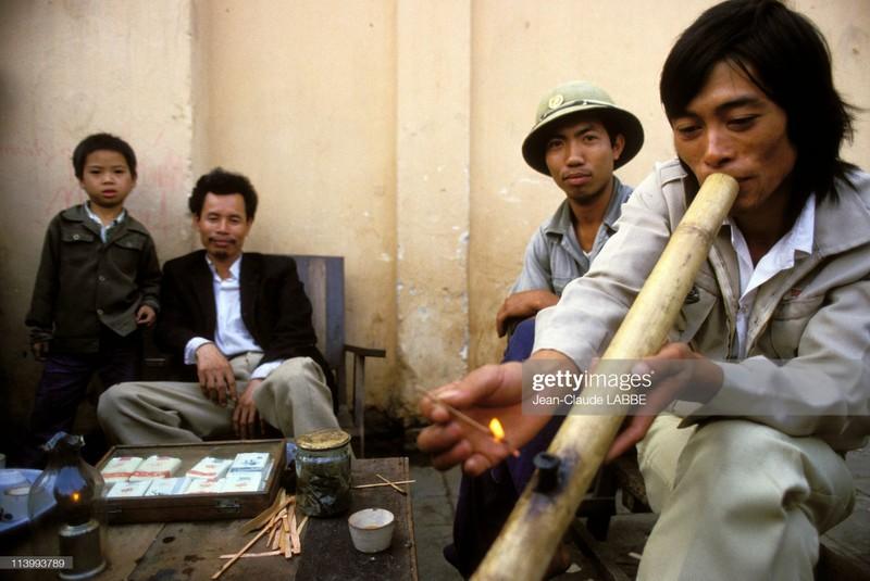 Ha Noi nam 1994 sinh dong qua ong kinh nhiep anh gia Phap (2)
