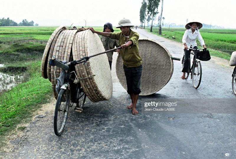 Cuoc song than thuong o nong thon Viet Nam dau thap nien 1990-Hinh-5