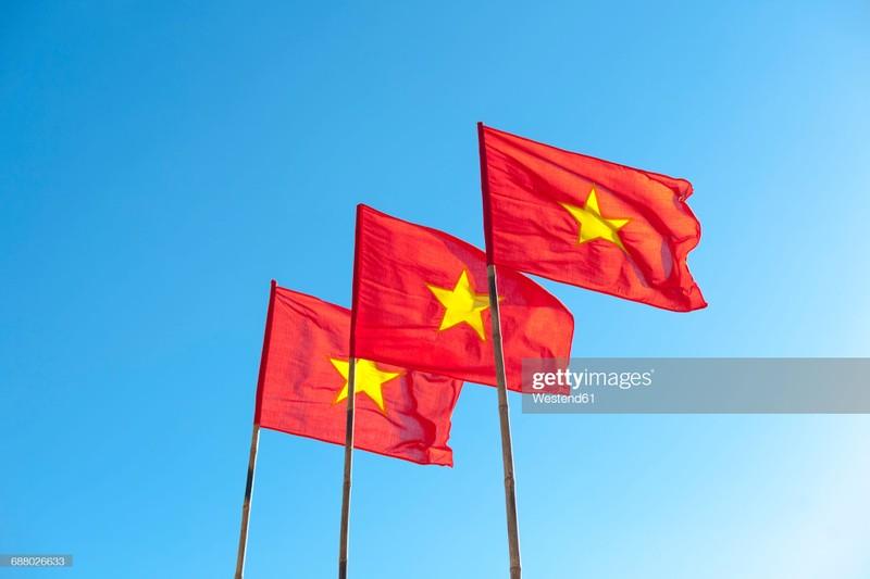 Quoc ky Viet Nam day khi the trong mat phong vien quoc te-Hinh-12