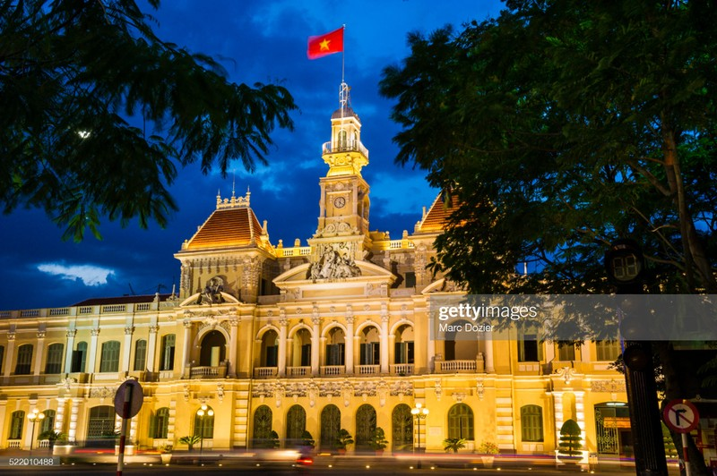 Quoc ky Viet Nam day khi the trong mat phong vien quoc te-Hinh-3