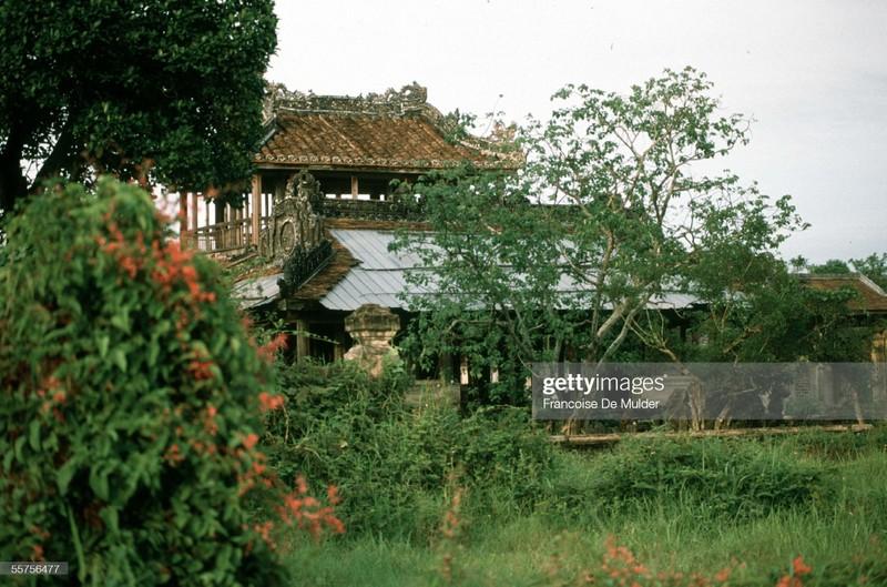 Khung canh binh di o Hoang thanh Hue nam 1989-Hinh-10