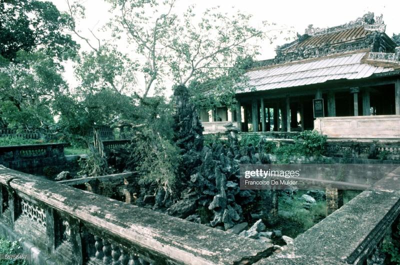 Khung canh binh di o Hoang thanh Hue nam 1989-Hinh-11