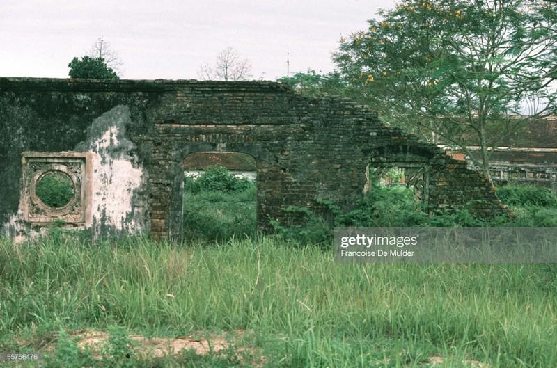Khung canh binh di o Hoang thanh Hue nam 1989-Hinh-13