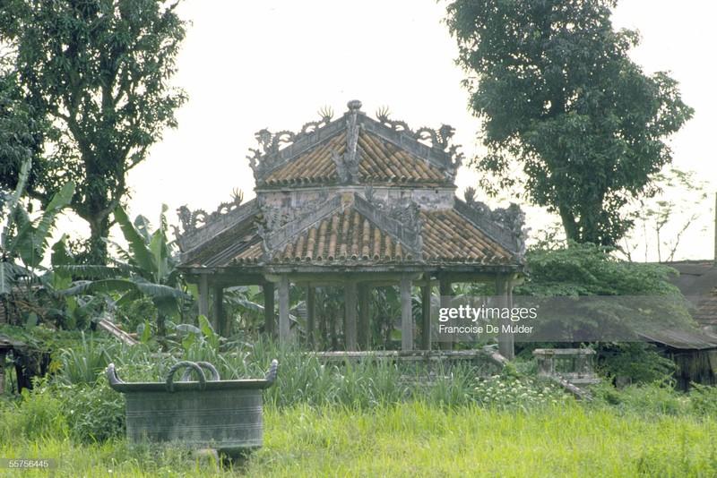 Khung canh binh di o Hoang thanh Hue nam 1989-Hinh-8