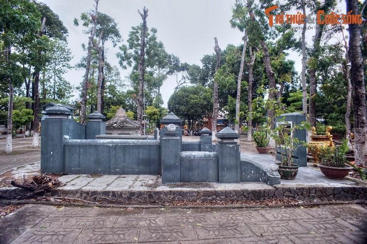 Lich su loat mo co cac nhan tai hang dau cua vua Gia Long-Hinh-12
