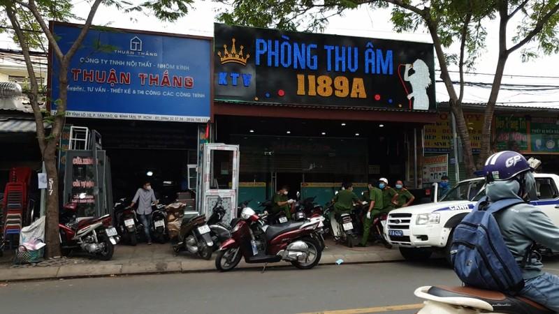 28 nguoi Trung Quoc nhap canh trai phep tron trong phong thu am o Sai Gon